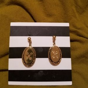 "Vintage earrings with letter ""H"""